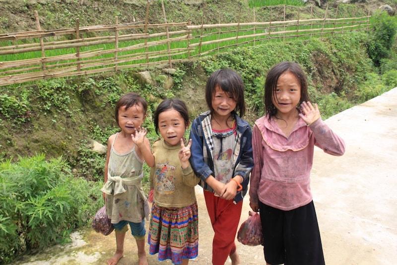 Hmong Children-min