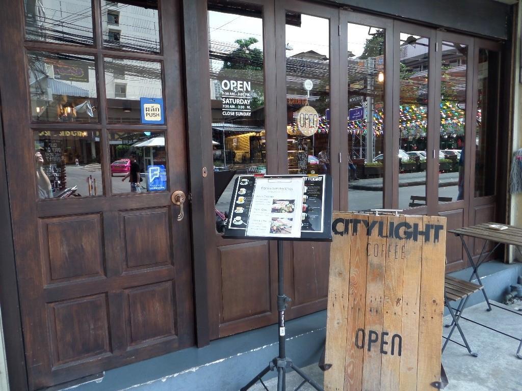 City Light Cafe