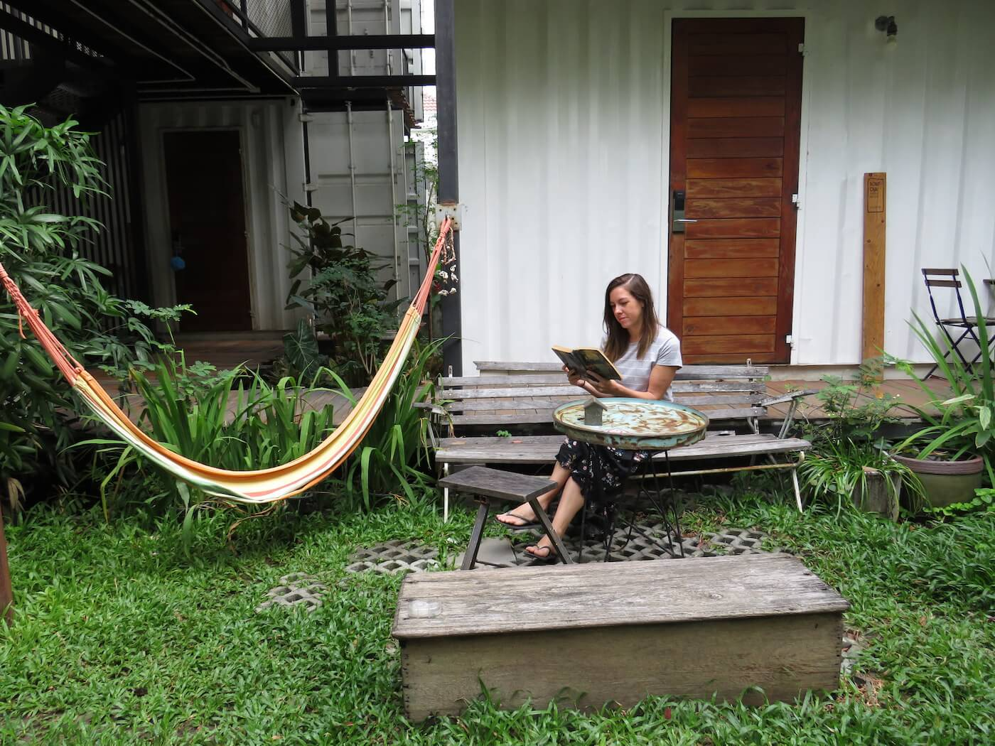 the-yard-hostel-bangkok