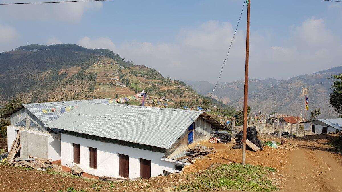 hills-manikhel