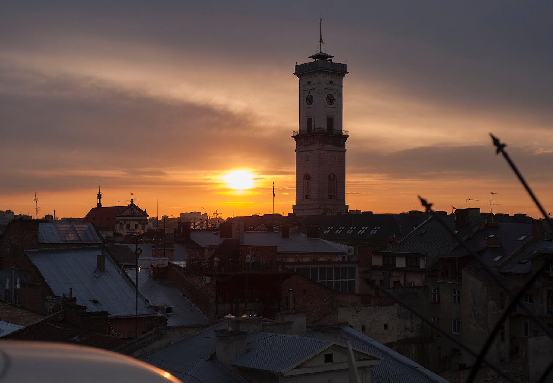 ukraine-responsible-tourism-sunset